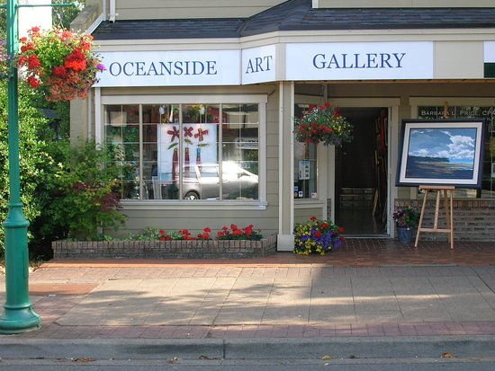 Pantai Qualicum, Kanada: Featuring original paintings from accomplished Canadian Painters