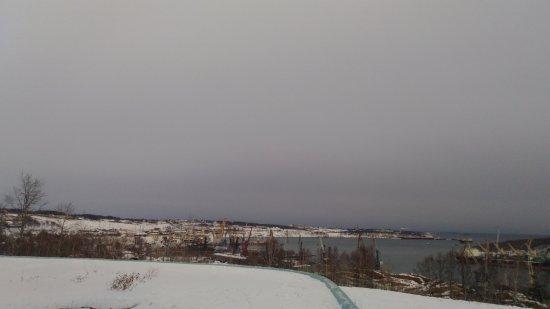 Vanino, Russia: вид на порт с площадки ДК