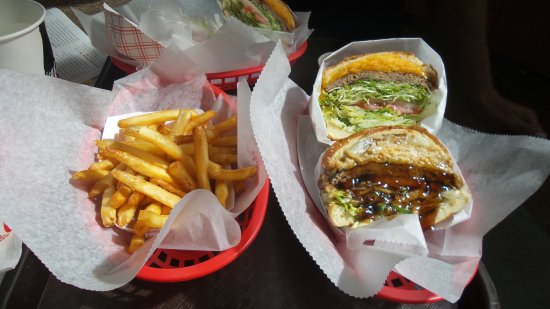 Duane's Ono Char-Burger: best burgers and fries ever!