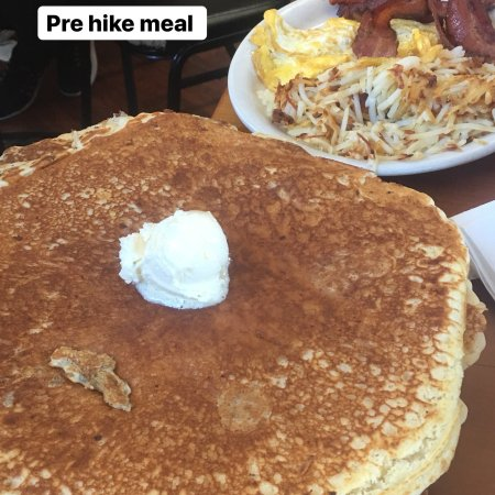 Grizzly Manor Cafe: photo0.jpg