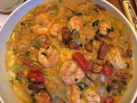 Founding Farmers: Shrimp and grits