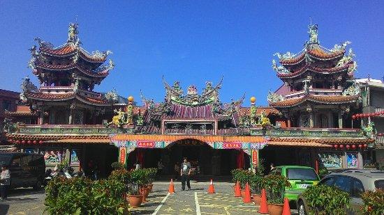 Jinbaoli Cihu Temple