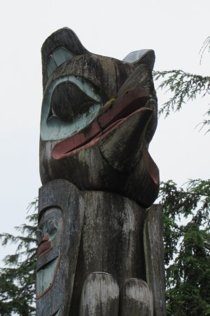 Creek Street: Another view of the totem pole.