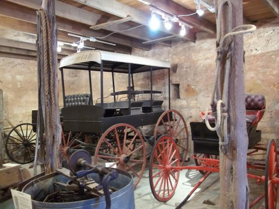 Pioneer Museum Complex: Old carriage