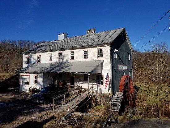 Grantsville, Μέριλαντ: Penn Alps Restaurant and Craft Shop