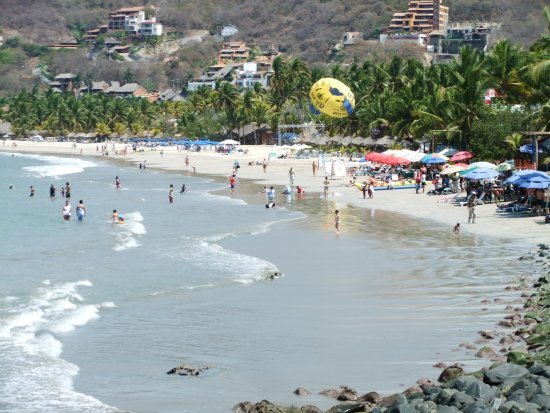 Picture Of Playa La Ropa