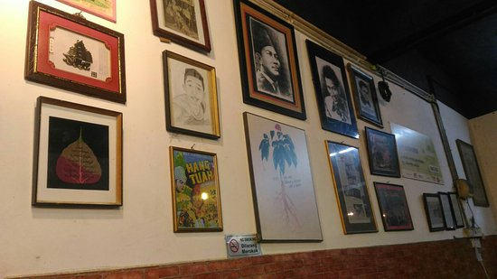D Exhibition Ipoh : Malay cuisine cafe nan station ipoh traveller