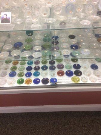 Sandwich Glass Museum: Glass exhibit