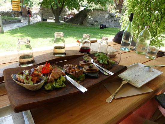 Wild Earth Outdoor Kitchen & Cellar Door: Sample plate with matching wines