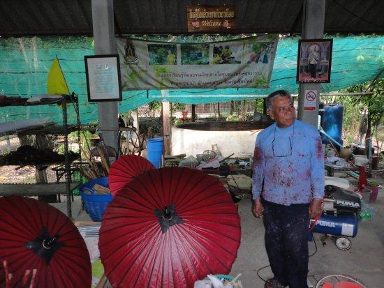 Kad Sala Lanna Cultural Homestay: Traditional Umbrellas handicraft