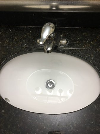 Sink won\'t open to drain - Picture of Holiday Inn Totowa, Totowa ...