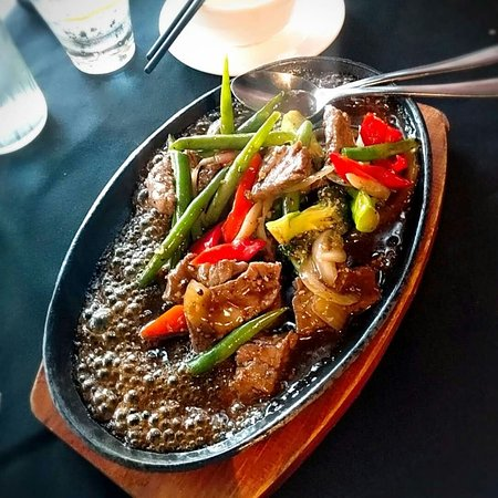 Moonsoon: Sizzling beef with black pepper