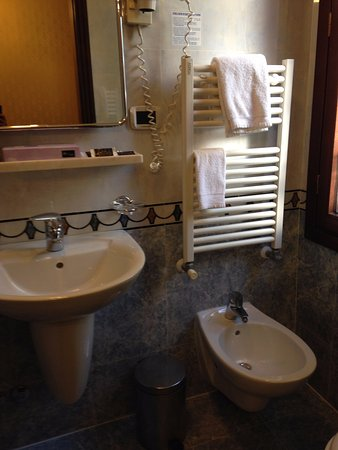 Hotel San Cassiano - Residenza d'Epoca Ca' Favaretto: Detalle del baño