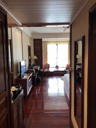Sofitel Angkor Phokeethra Golf and Spa Resort: Entrance to room
