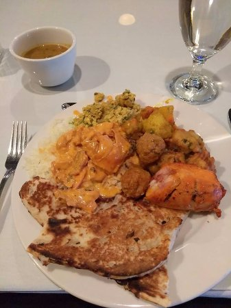 India House: Lunch buffet!