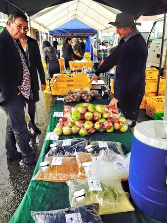 Roxburgh, Nya Zeeland: We do Farmers Markets in Gore every Saturday during the fruit season, and Kaka Point