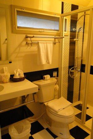 Schönes Bad mit Regendusche - Picture of At Residence Suvarnabhumi ... | {Schönes bad 51}