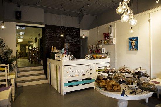Snug Art Cafe: Snug inside