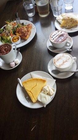 Te Aroha, Nouvelle-Zélande : The food & attractive drinks