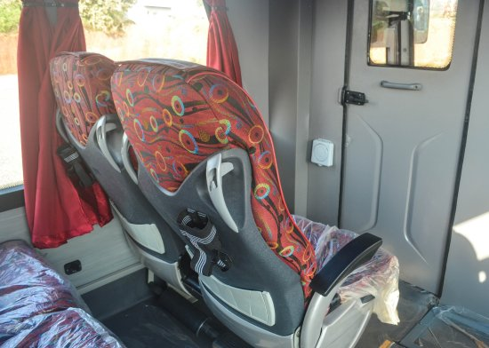 Greenline Tours: Wide leg space and bottle holder