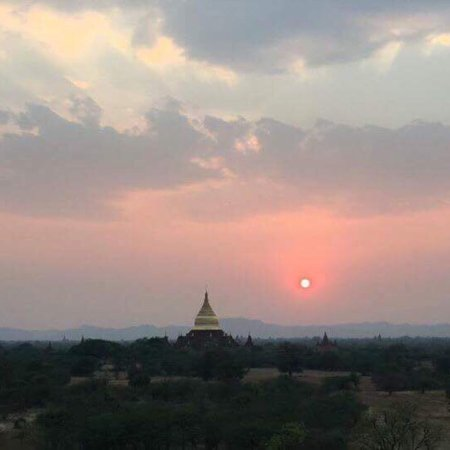 WORLD Heritage Network - Bagan Pagodas & Hot Air Balloons Photo