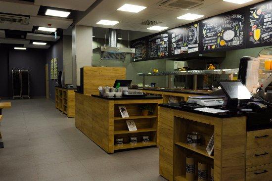 Meet&Eat Pegaz: W restauracjach MEET&EAT wspólne jedzenie ma znaczenie.