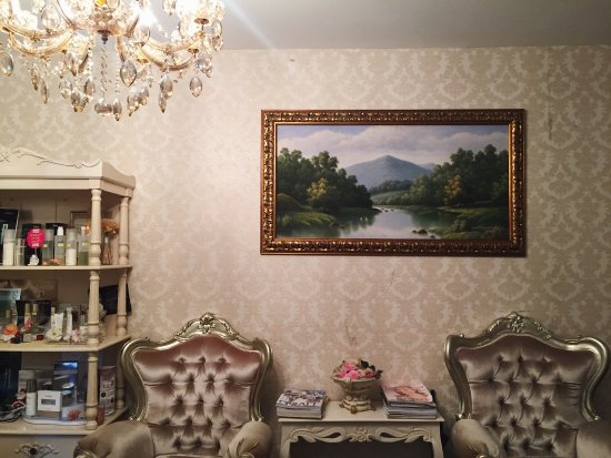 My Cozy Room Boutique Spa @ Cairnhill: Victorian themed interior