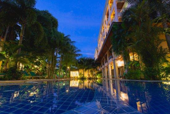 Thanthip Beach Resort: Pool