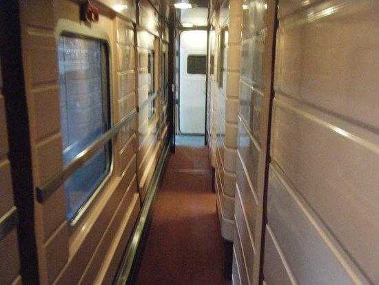 Renfe: the narrow train corridor