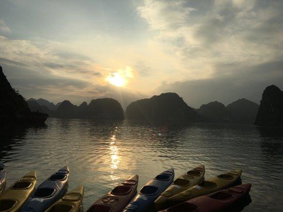 Halong Bay Cruises: Kayaking in a beautiful bay!