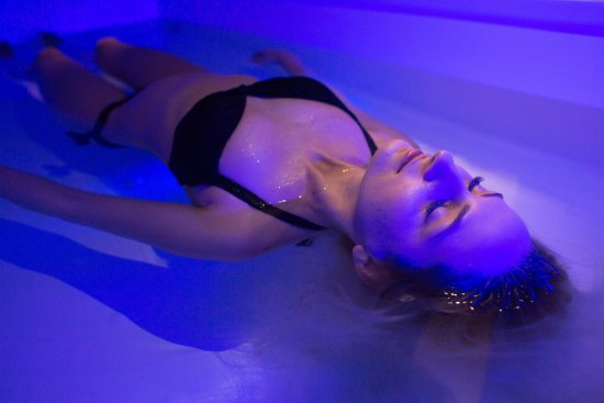 Bacau, Ρουμανία: 60 minutes of float therapy. Relax. Recover. Regenerate. Recharge.
