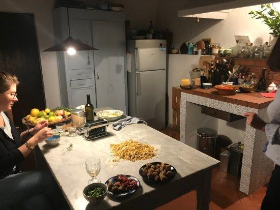 Momi & Jo of Organic Chianti: Preparing dinner
