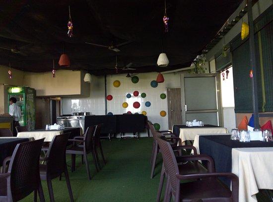 Sudama: Sudhama Next Restaurant