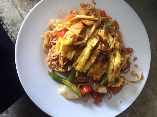 Hello Lumbung Warung: Our Fried Noodle is tasty