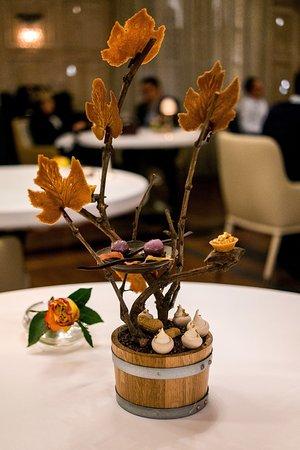 La Table de Plaisance: Dessert tree (Taken on Relonch camera)