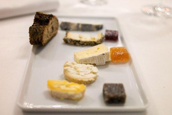 La Table de Plaisance: Cheese selection (Taken on Relonch camera)