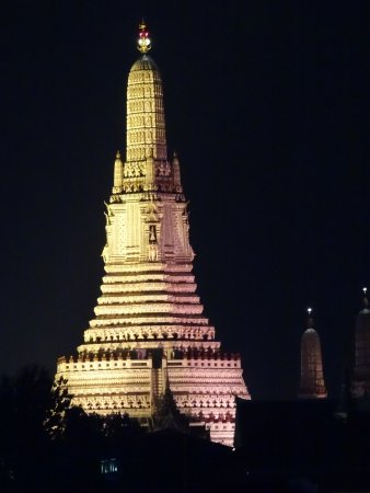 Temple Of Dawn (Wat Arun) Photo
