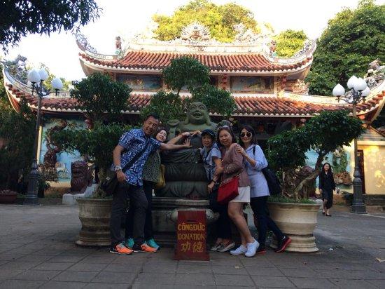 "Da Nang Car Rental: ""Tour around Da Nang  - Marble Mountain"""