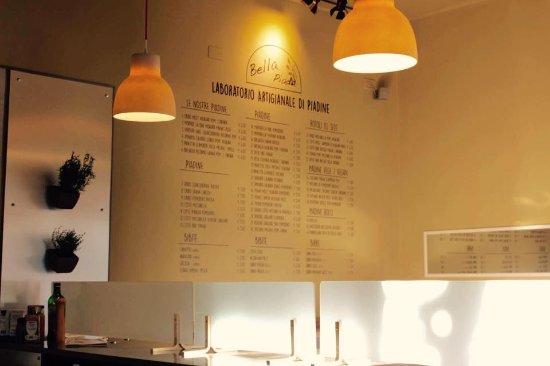 Bella Piada: menu sul muro particolare