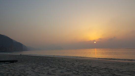 Six Senses Zighy Bay: spectacular sunrises..