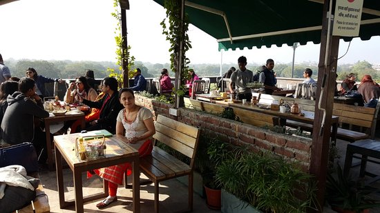 Tapri The Tea House: Rooftop place