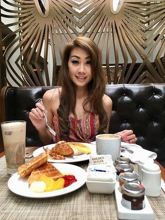 Ash & Elm: 坐在這吃早餐真舒服