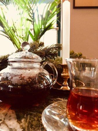 Cherchez la Femme: Christmas Tea
