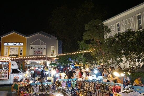 CentralMarina: outside street shopping