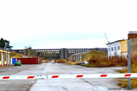Dokumentationszentrum Prora: Byggarbetsplats, Mycket av DDR finns att beskåda på Rugen.