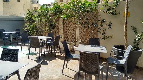 Argento Hotel: Área externa do café da manhã