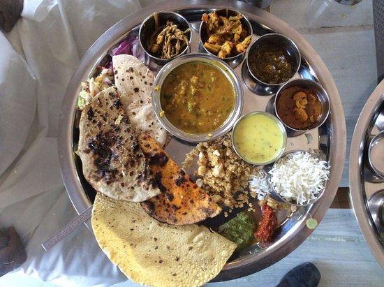 Maharaja Restaurant: rajasthani thali