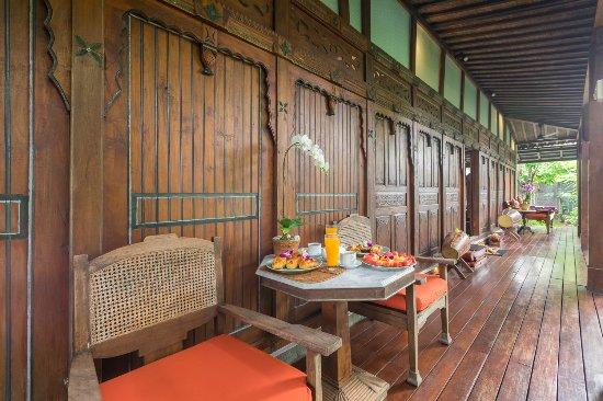 Villa Kampung Kecil: Terrace Villa Demak