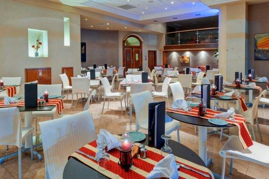 K Lounge: Restaurant Interior