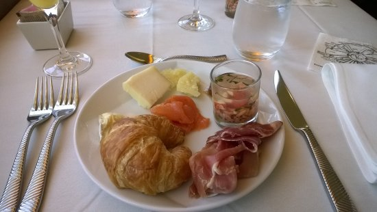The View Restaurant & Lounge: Brunch
